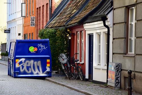 street houses colors buildings gamlaväster