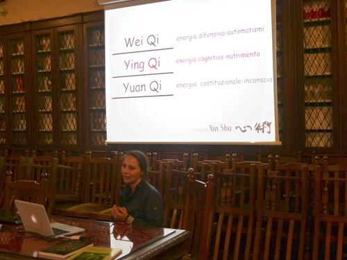 97- Camaldoli 9-12 giugno 2016, seminario residenziale Xin Shu Qi Gong, Tuina, Fitoterapia. Lezione teorica Dott.ssa Valeria Sansone