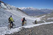 Nepal, Bike Rund um Annapurna. Abfahrt vom Thorong La nach Muktinath. Foto: Archiv Härter.