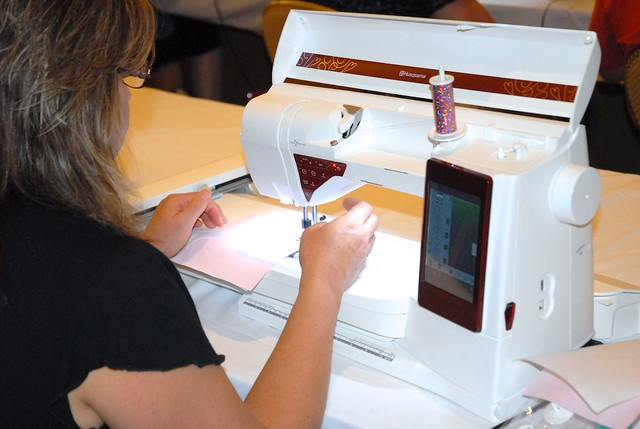 Husqvarna Viking Designer  Sewing And Embroidery Machine Reviews