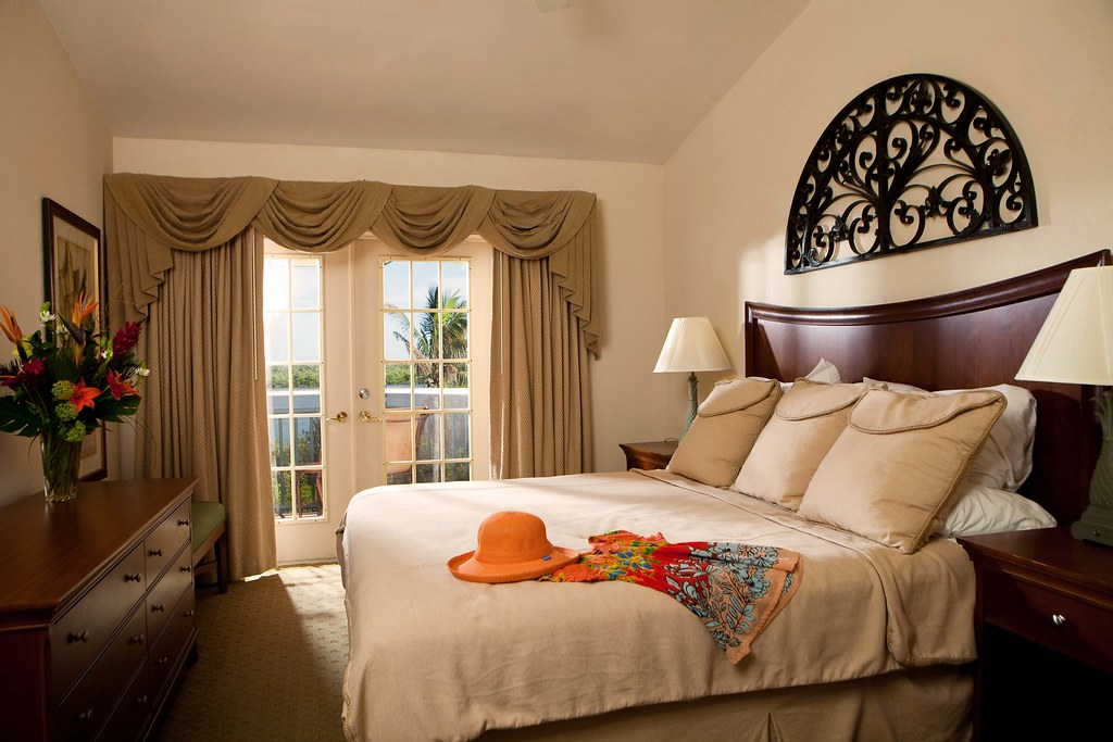 Spacious Rooms at 'Tween Waters Inn