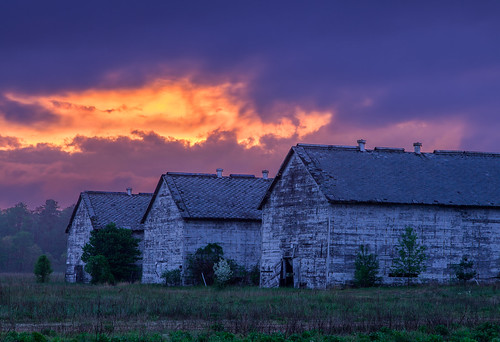 sunset clouds canon connecticut barns may ct simsbury polarizer tobacco clearing 24105 hoskins ndgrad softgrad