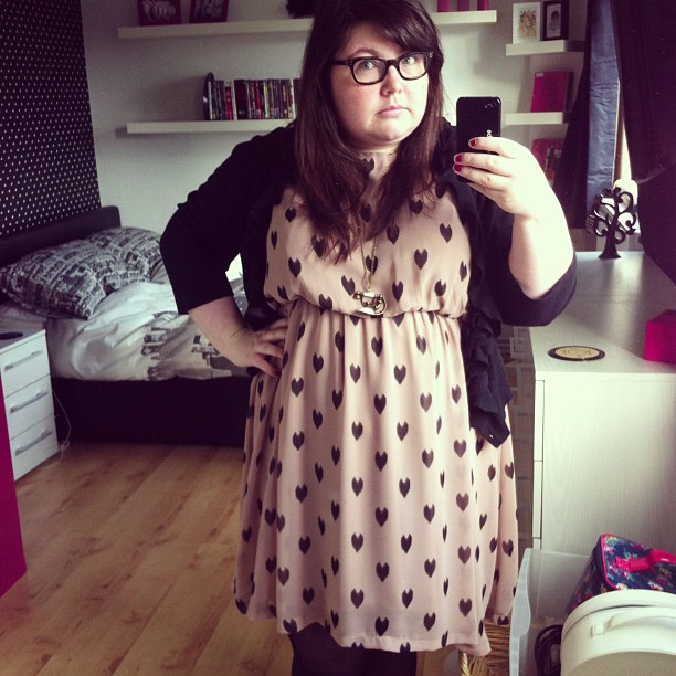 Monday - keeping this chiffon skirt down in the wind is gonna be HELL. #ootd #fatshion #plussize