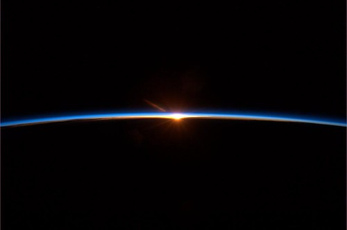 Chris Hadfield Photo Spacelight finale.jpg-large