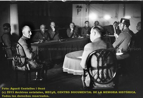 Barcelona, 11 de agosto de 1936, el general José Aranguren declara en el consejo de guerra contra el general Manuel Goded. by Octavi Centelles