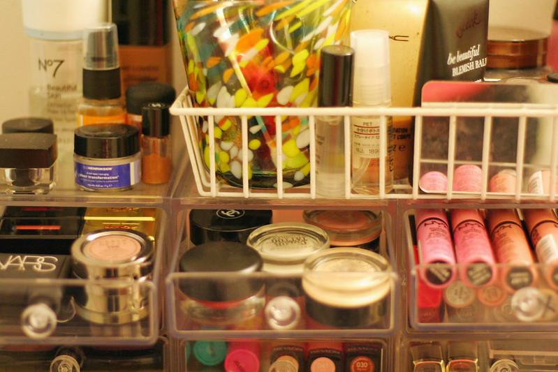 inside makeup storage