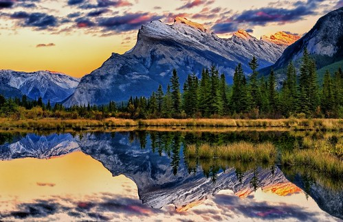 sunset canada reflections evening dusk alberta banff mtrundle vermillionlakes
