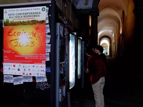 Manifesto Ecoismi 2013 alle macchinette di Brera by Ylbert Durishti