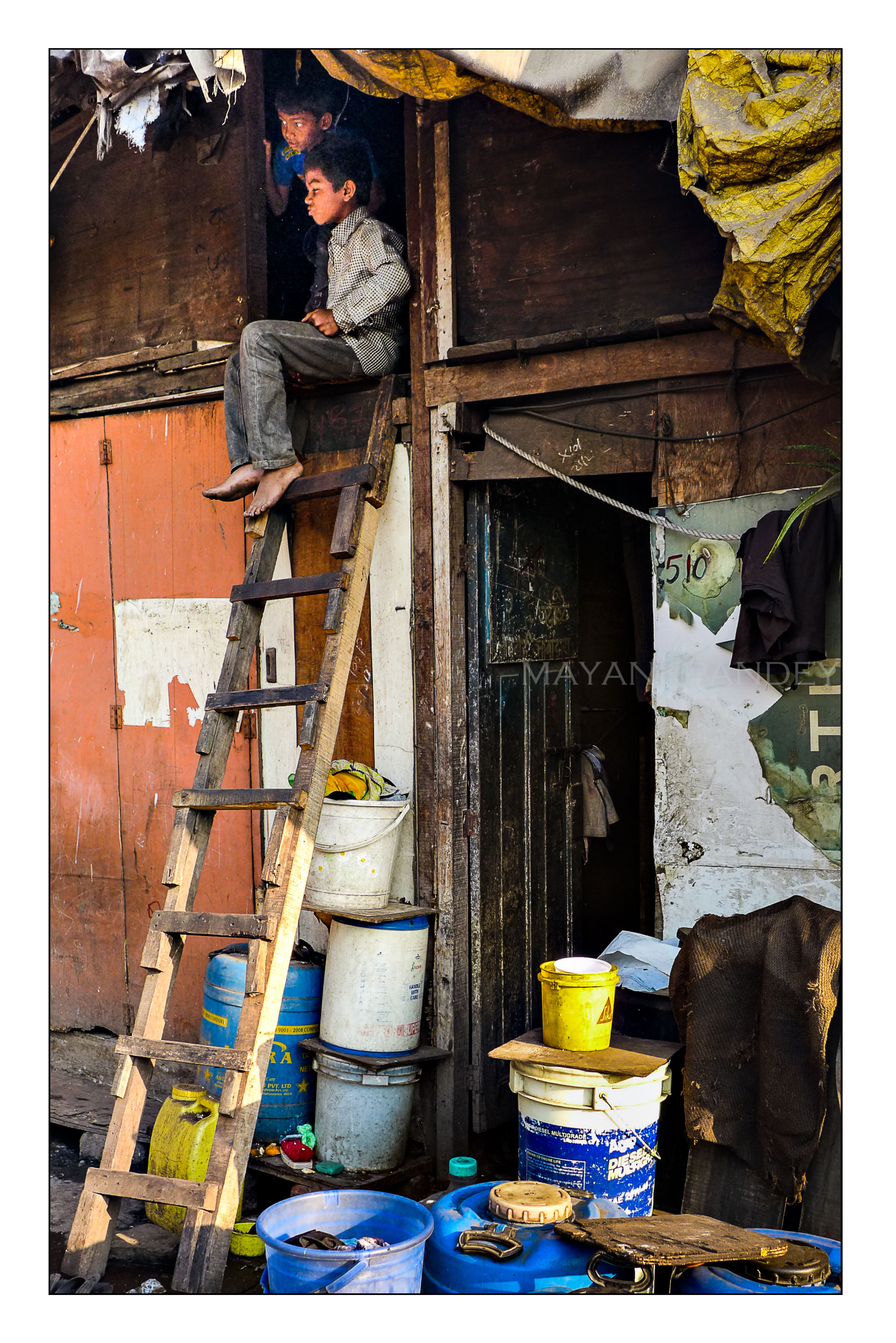 Home - Mayank Pandey amateur photographer from Mumbai India online photo exhibition street [hotography black and white Маянк Пандей фотограф любитель из Мумбай Индия онлайн фотовыставка стрит фотография черно белый