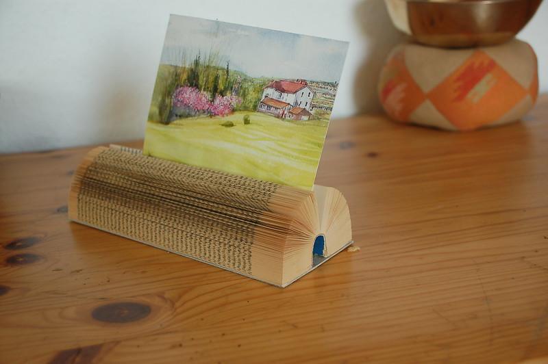 Kartenhalter aus einem alten Buch