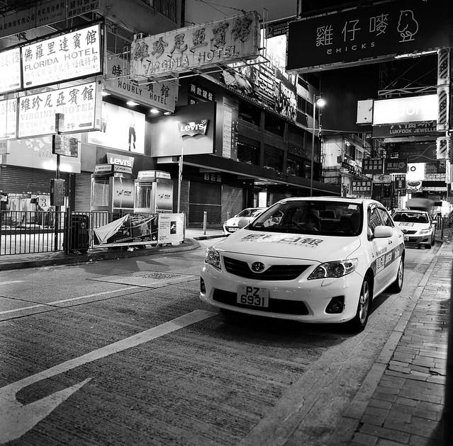 Rolleiflex sl66 hft 50mm f4 黑白夜攝