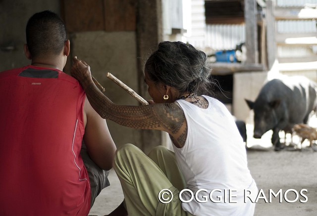 Buscalan - Tattooing amidst the chicks and pigs