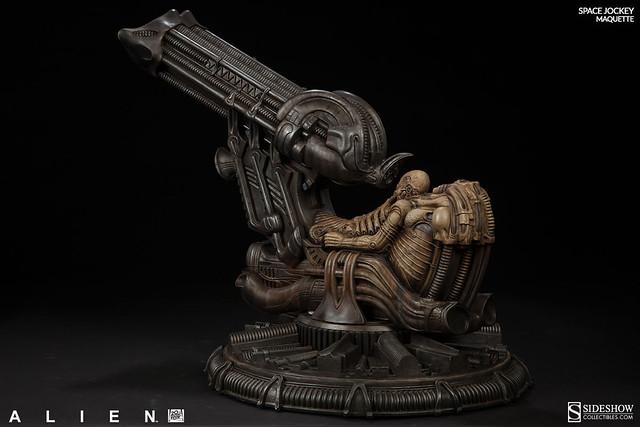 【新增官圖&販售資訊】「無庸置疑,這是一種高階生物」Sideshow 推出《異形》Space Jockey 雕像