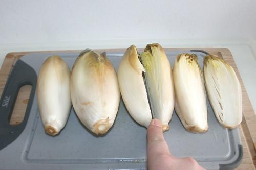 23 - Chicoree halbieren / Cut chicory in halfs