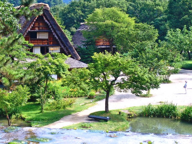 Gassho-style House in Shirakawa-go : 白川郷の合掌家屋