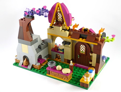LEGO Elves 41074 Azari and the Magical Bakery 19