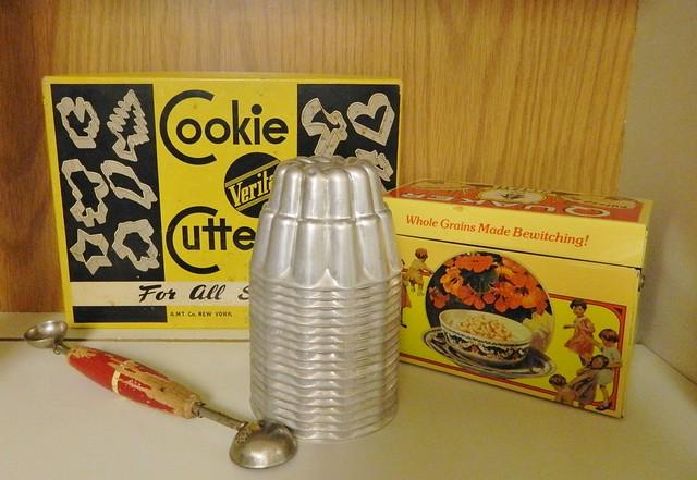 vintage kitchen accessories
