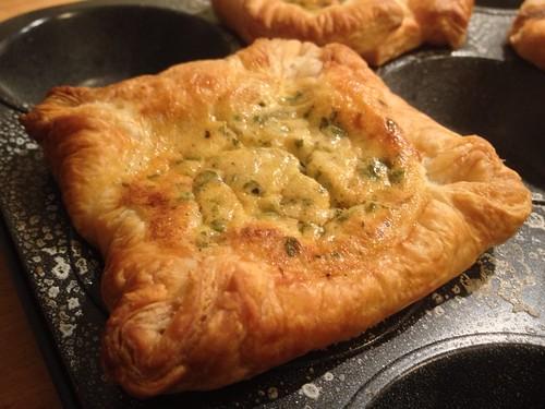 Blätterteig-Zwiebelkuchen-Muffins