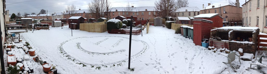 Stenhouse Snow Smiley Panorama