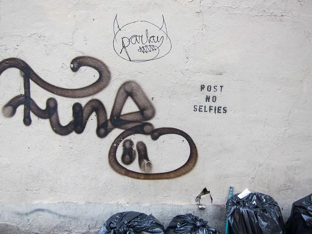 Post No Selfies