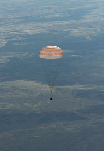 Expedition 35 Landing (201305140003HQ)