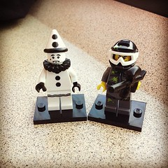 Got myself two lego mini figures. Think I might start collecting these...