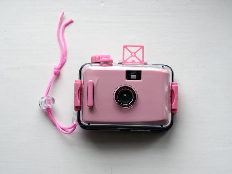 PLASTIC CAMERAS _ light pink under water camera