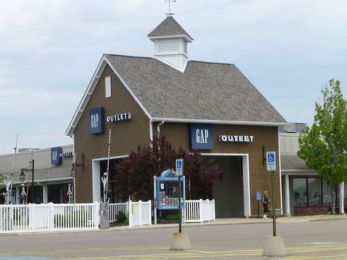 Gap Outlet in Burbank, Ohio