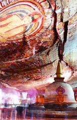Buddha is watching - Dambulla Cave Temple