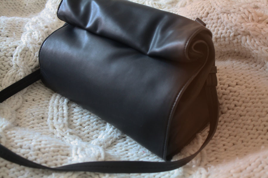 disfordangerous zara basic messenger bag