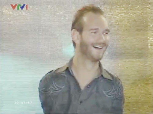 Nick trong buổi diễn thuyết tại TP. Hồ Chí Minh.