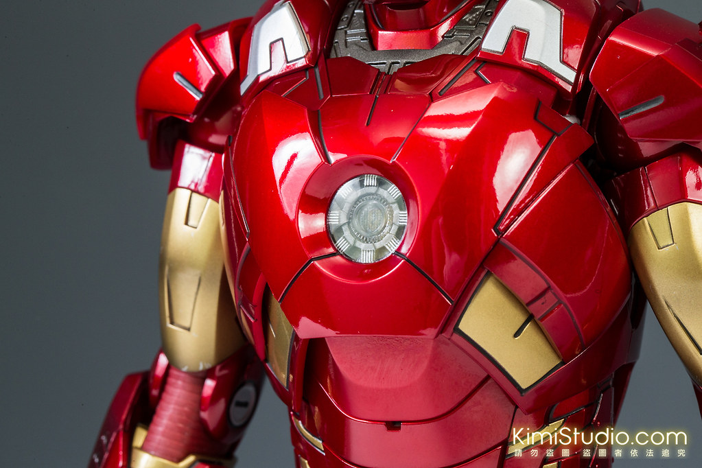 2013.06.11 Hot Toys Iron Man Mark VII-015