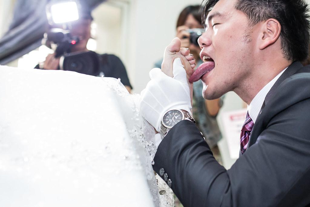 wedding0504-127.jpg