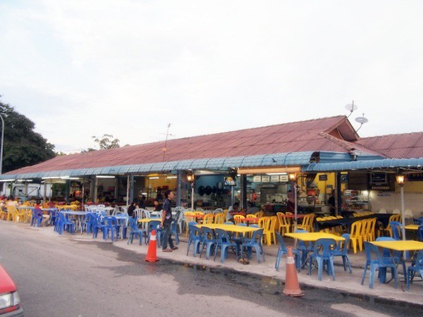 Melaka - Asam Pedas fish at Pasar Borong Taman Merdeka-009