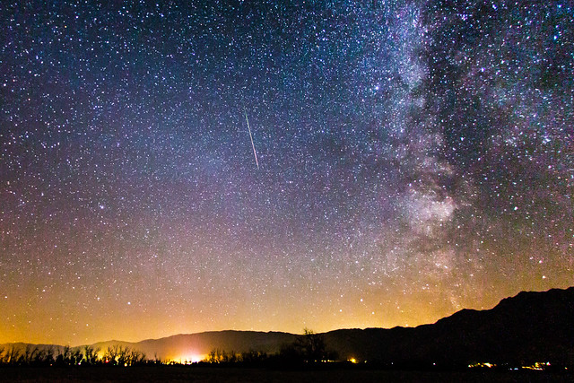 Perseid meteor and the Milky Way