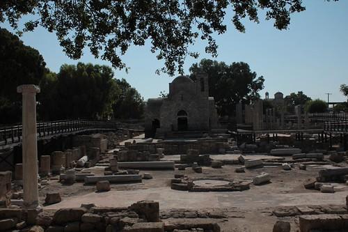 Paphos: colonna di Paolo e Monastero di Chrysorrogiatissa