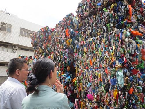 回收的塑膠容器。圖片來源:梧桐基金會