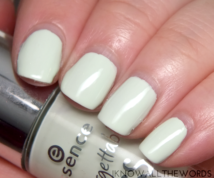 essence nail polish- 02 always on my mint
