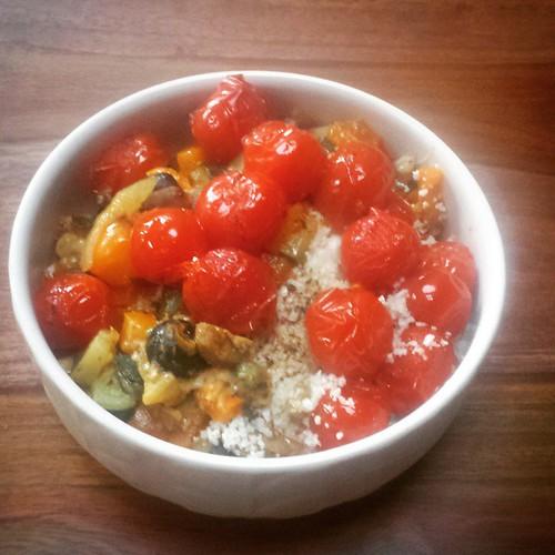 Bloemkoolcouscous met geroosterde groenten. Topidee! #healthy