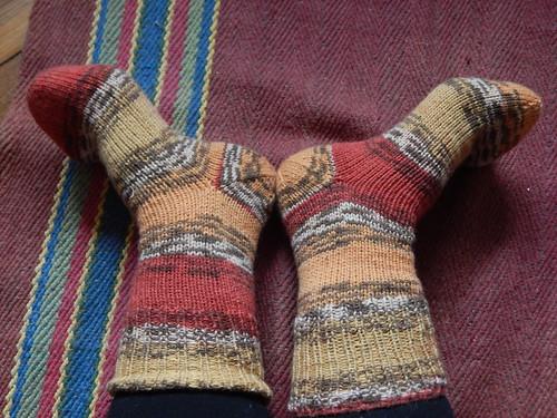 ноги вместе в носках1