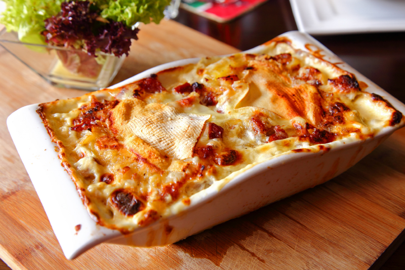 Potatoes-Gratin-with-Cream-and-Bacon