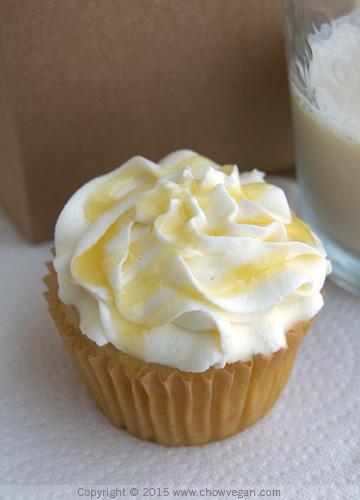 Vegan Lemon Cupcake with Lemon Drizzle