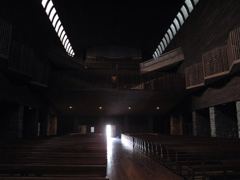 arantzazu_interior_basilica