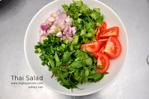 Philips Airfryer Pork Neck Thai Salad 2