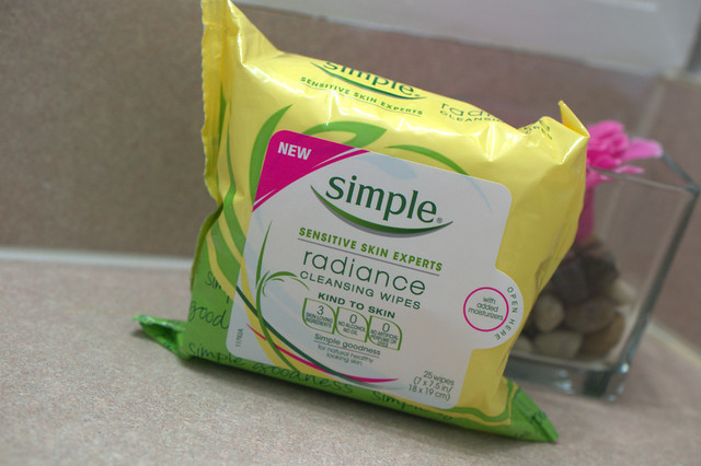 Simple Radiance Cleansing wipes