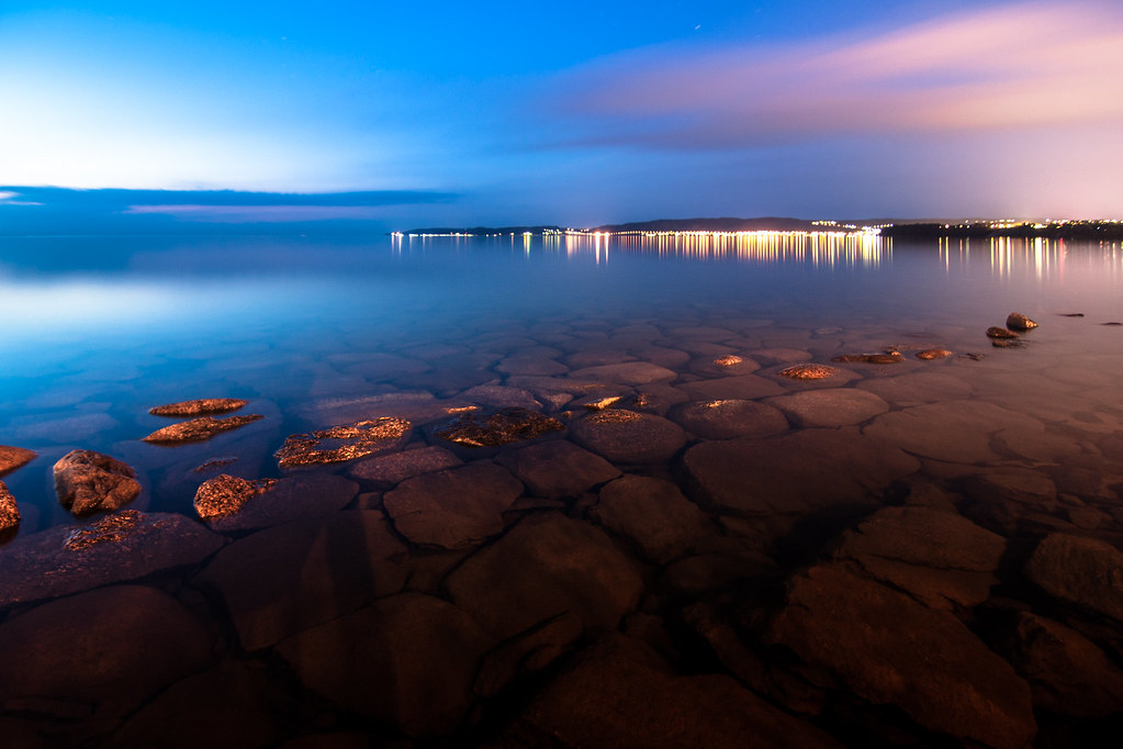 Vättern by night