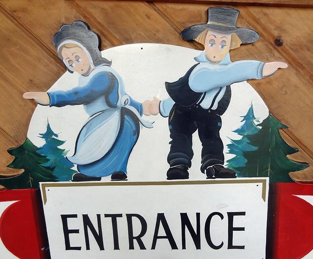 amish-entrance
