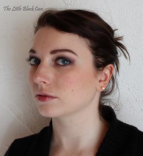 As a Brunette: visage entier