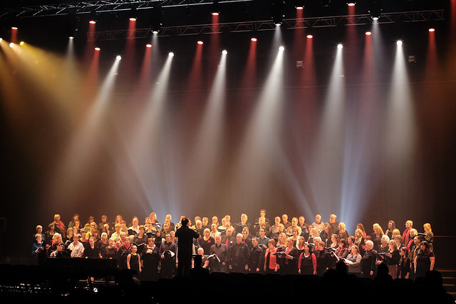 Thurrock Community Chorus performing at a concert with the Royal Opera House Chorus © ROH / Paul Starr