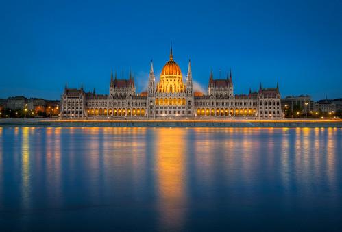 blue nikon hungary tripod budapest parliament hour nikkor ungarn danube hun hdr 18200mm d7000 nikonafsdxnikkor18200mm13556gedvr